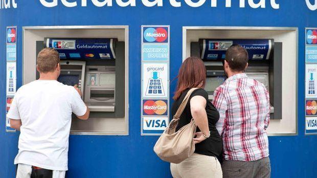 Am Geldautomat
