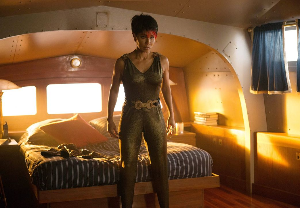 Offenbart ein zerstörendes Geheimnis über Cobblepot, woraufhin sich Maroni gezwungen sieht, dessen Loyalität zu testen: Fish Mooney (Jada Pinkett Sm... - Bildquelle: Warner Bros. Entertainment, Inc.