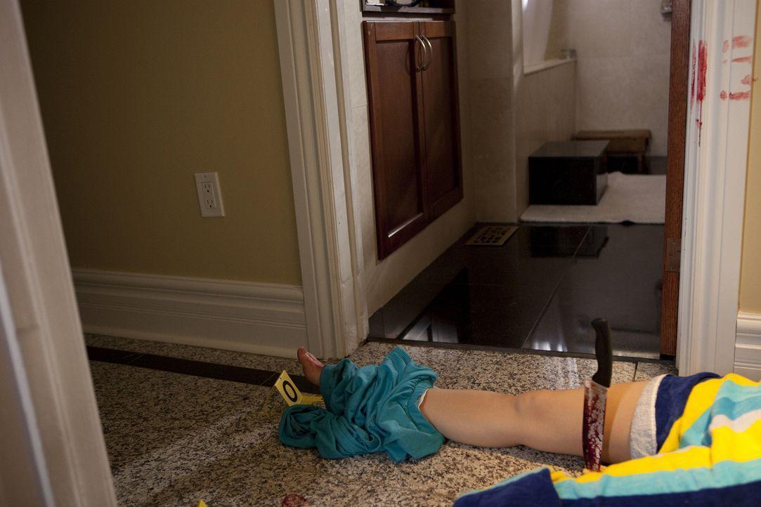 Im kalifornischen Modesto wird eine junge Mutter brutal in ihrem Haus ermordet. Die Polizei findet Debi Whitlocks fast enthaupteten Körper im Flur i... - Bildquelle: Jeremy Lewis Cineflix 2010