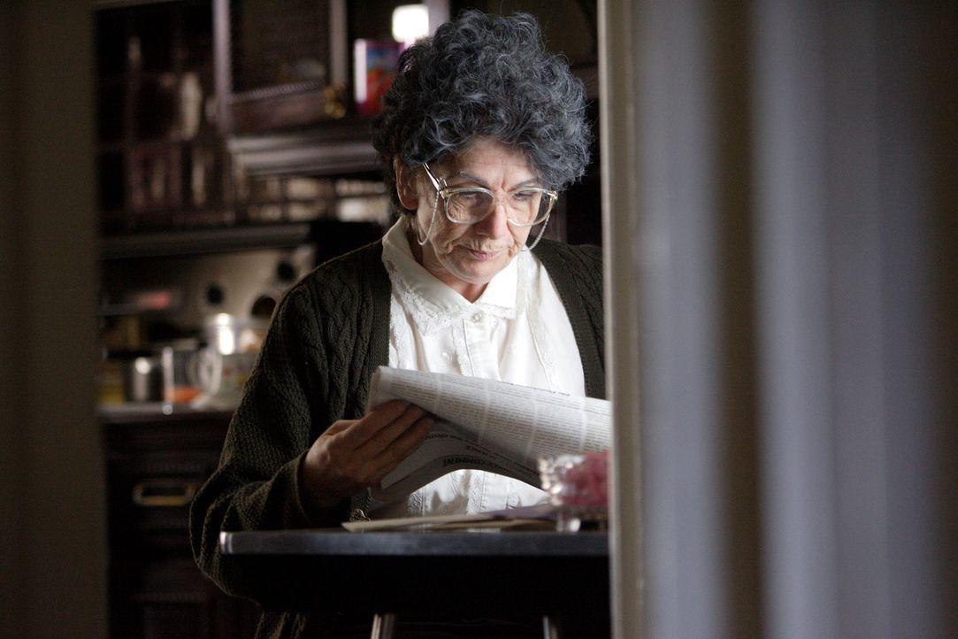 Die 87-jährige Jean Barnes kurz vor ihrem Tod. Die Polizei findet die Leiche in ihrem Haus, allerdings nur durch einen Zufall. Die Suche nach dem Mö... - Bildquelle: Ian Watson Cineflix 2008