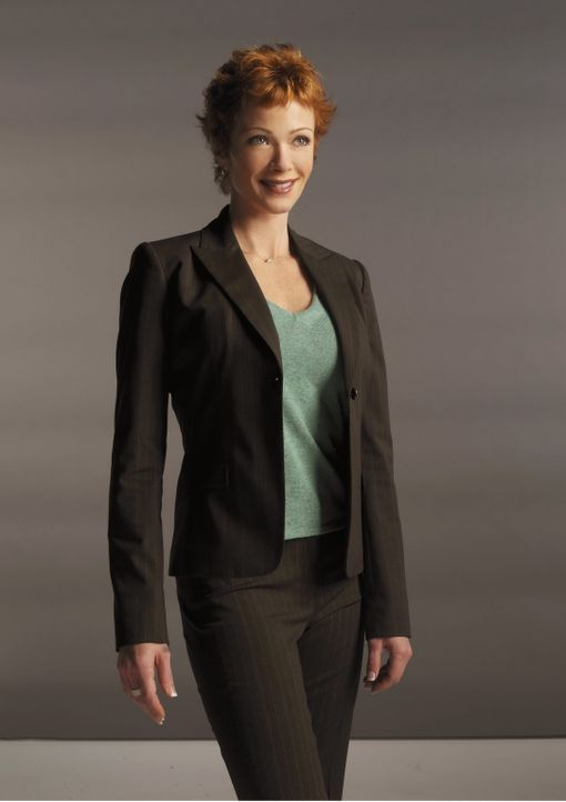 (3. Staffel) - Als neue Chefin möchte Jenny Shepard (Lauren Holly) möglichst geheim halten, dass sie und Gibbs vor sechs Jahren, während sie in Euro... - Bildquelle: CBS Television