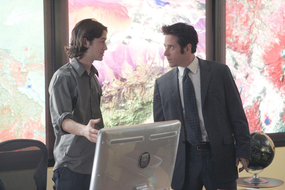 Bei seinen Ermittlungen trifft Don (Rob Morrow, r.) auf Scott Reynolds (Joseph Gordon-Levitt, l.). Ist er der gesuchte Mörder? - Bildquelle: Paramount Network Television