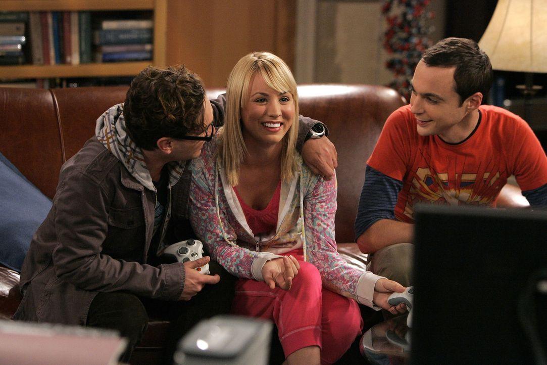 Penny (Kaley Cuoco, M.) hat ein Problem: Ihre Freundin Christy aus Omaha ist zu Besuch und macht sich in der Wohnung breit. Deshalb sucht sie Unters... - Bildquelle: Warner Bros. Television