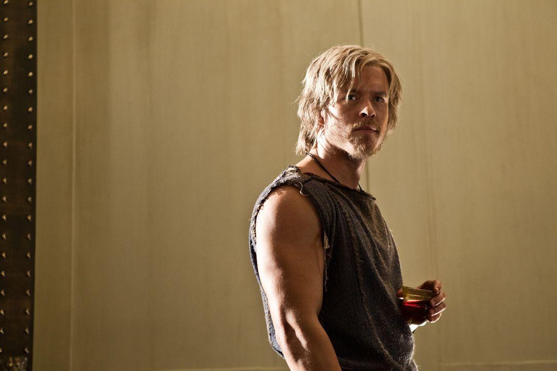 Total verschuldet kehrt Julius Caesar (Todd Lasance) von einem erfolgreichen Feldzug zurück. Da macht ihm Marcus Crassus ein ziemlich gutes Angebot... - Bildquelle: 2012 Starz Entertainment, LLC.  All Rights Reserved