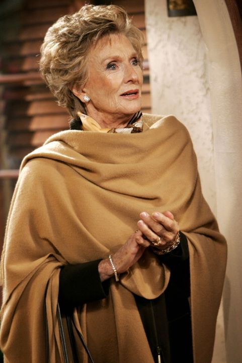 Norma (Cloris Leachman) macht Alan ein unmoralisches Angebot ... - Bildquelle: Warner Brothers Entertainment Inc.