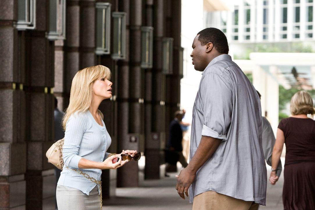 Michael Oher (Quinton Aaron, r.) ist schwarz, übergewichtig und zu tiefst traumatisiert. Er ist ein obdachloser Teenager, der weder sich selbst noc... - Bildquelle: Warner Brothers