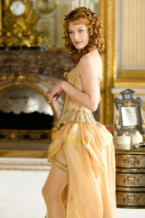 Wer hätte das gedacht? M'lady (Milla Jovovich) verfügt nicht nur über ein wunderschönes Aussehen und einen miesen Charakter, sondern auch über ausge... - Bildquelle: 2011 Constantin Film Verleih GmbH.