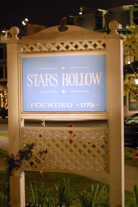 Stars Hollow hat bald eine riesige Hochzeit zu feiern ... - Bildquelle: Copyright Warner Brother International Television