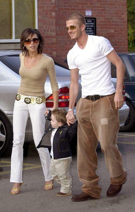 Bild: dpaDer Fußballgott und die Pop-Prinzessin: David und Victoria Beckham ...