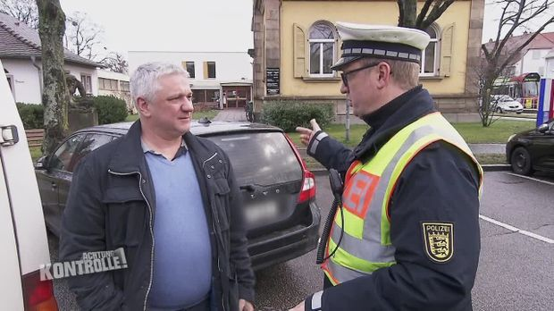 Achtung Kontrolle - Achtung Kontrolle! - Gurt An - Handy Aus: Verkehrskontrolle Freiburg