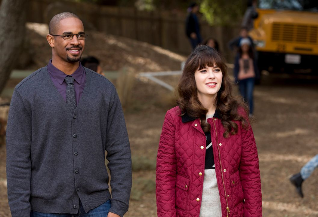 Ein Schulausflug endet für Coach (Damon Wayans Jr., l.) und Jess (Zooey Deschanel, r.) anders als erwartet ... - Bildquelle: 2015 Twentieth Century Fox Film Corporation. All rights reserved.