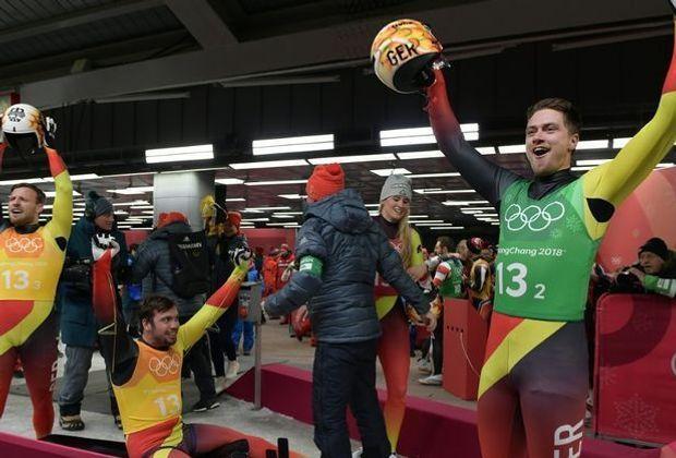 Deutsche Rennrodler gewinnen Gold in Teamstaffel