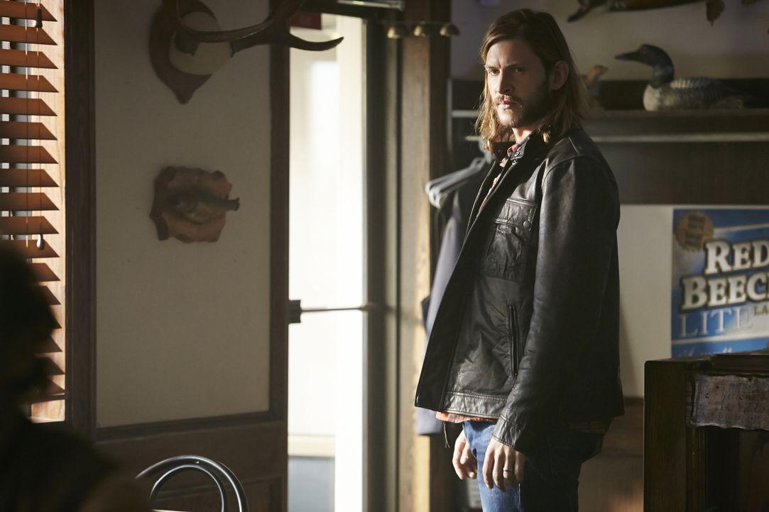 Elena lädt einen unerwarteten Besucher nach Stonehaven ein, um mit ihm ein Bündnis einzugehen. Unterdessen folgt Clay (Greyston Holt) dem Ruf des Al... - Bildquelle: 2016 She-Wolf Season 3 Productions Inc.
