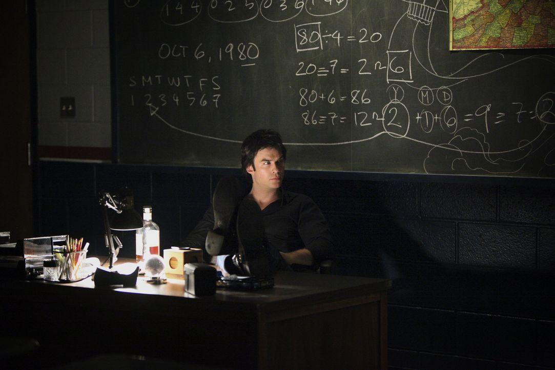 Erstaunliche Informationen lassen Damon (Ian Somerhalder) an einem Bekannten zweifeln ... - Bildquelle: Warner Brothers
