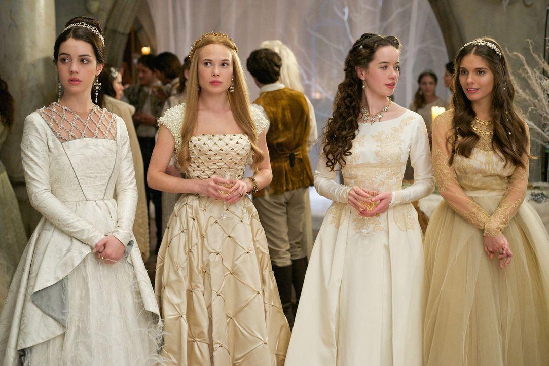 Mary (Adelaide Kane, l.) und ihre drei Hofdamen, Greer (Celina Sinden, 2.v.l.), Lola (Anna Popplewell, 2.v.r.) und Kenna (Caitlin Stasey, r.) sind n... - Bildquelle: Sven Frenzel 2014 The CW Network, LLC. All rights reserved.