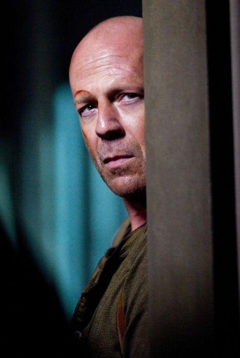 Ein Wettlauf gegen die Zeit beginnt, als Gabriel versucht, sämtliche Finanzdaten der Vereinigten Staaten zu stehlen und John McClane (Bruce Willis)... - Bildquelle: Frank Masi 2007 Twentieth Century Fox Film Corporation.  All rights reserved.