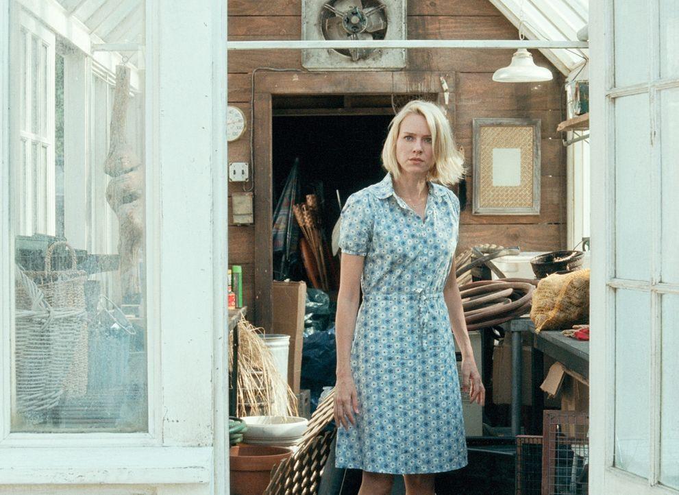 Ann (Naomi Watts) freut sich auf einen erholsamen Urlaub in ihrem Ferienhaus in den Hamptons, doch es kommt alles ganz anders ... - Bildquelle: 2008 Warner Brothers