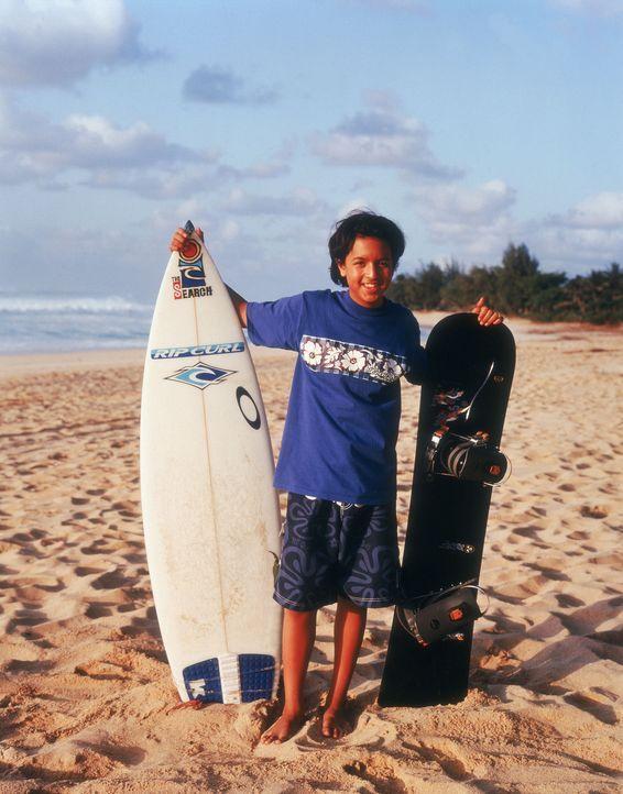 Johnny (Brandon Baker) ist hin- und hergerissen. Sein Herz hängt am Surfbrett, doch im eisigen Vermont kann er das nicht einsetzen. Schnell steht s... - Bildquelle: Disney