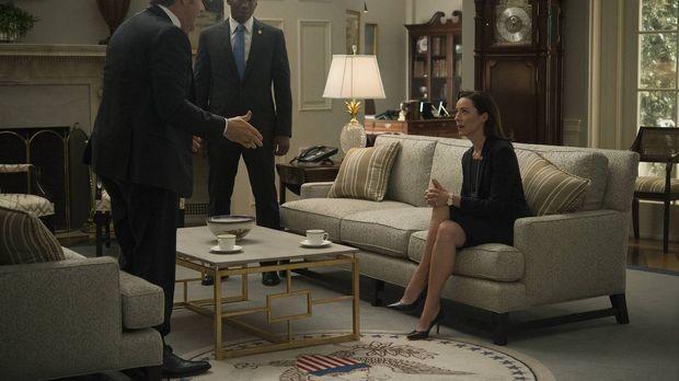 Um wieder als Präsident kandidieren zu können, muss Franks (Kevin Spacey, l.)...