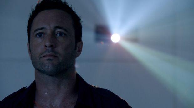 Steve (Alex O'Loughlin) wurde von Wo Fat entführt, gefoltert und mit Drogen v...