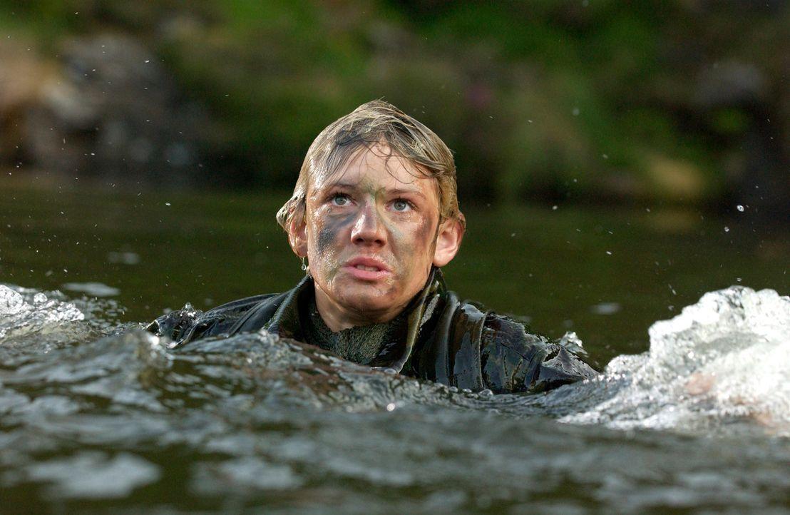 Im Fokus eines eiskalten Killers: Alex (Alex Pettyfer) ... - Bildquelle: Liam Daniel Samuelsons / IoM Film.