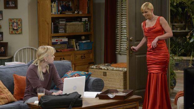 Wird Jill (Jaime Pressly, r.) Bonnie mit zu einem feinen Wohltätigkeitsball n...