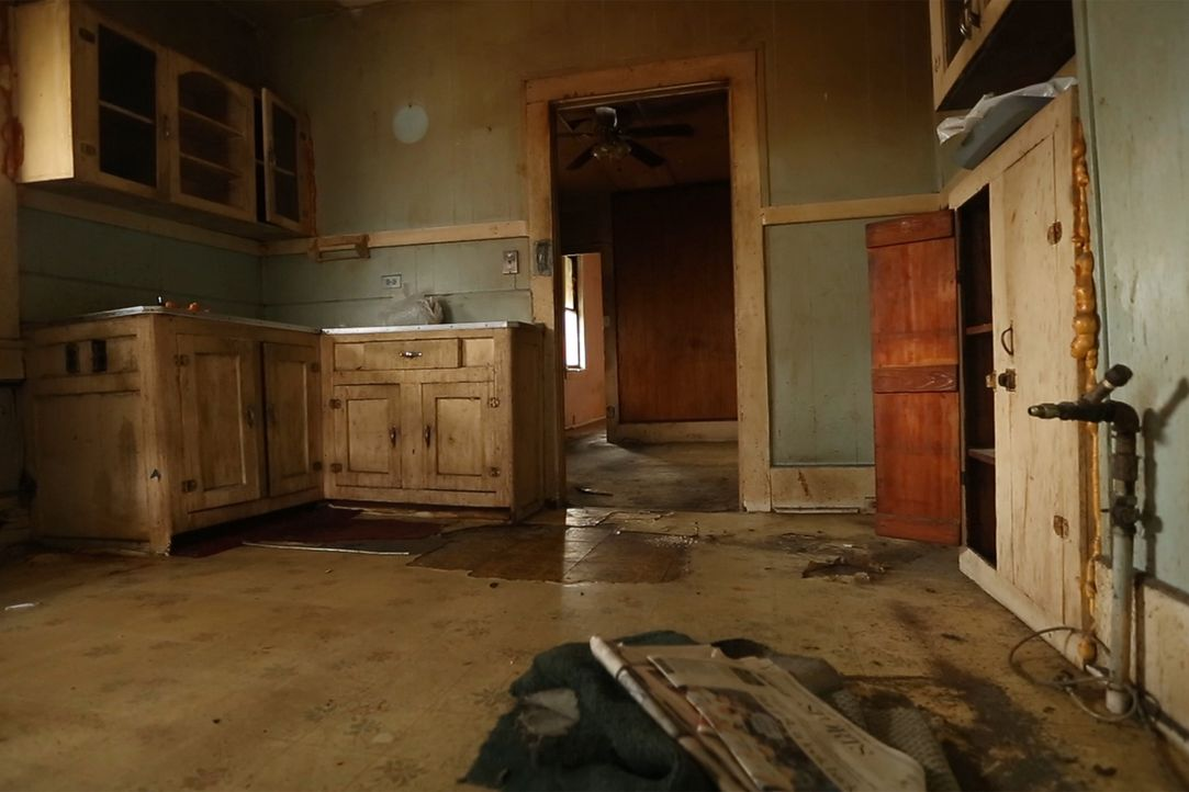 Noch kann man sich nicht vorstellen, hier zu wohnen ... - Bildquelle: 2014, DIY Network's/Scripps Network's, LLC.