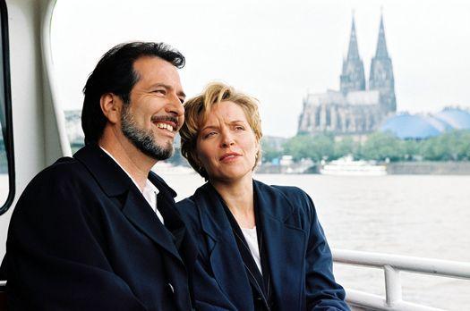 Park Hotel Stern - Olaf (Hans Schenker, l.) und Diane (Eva Scheurer, r.) mach...