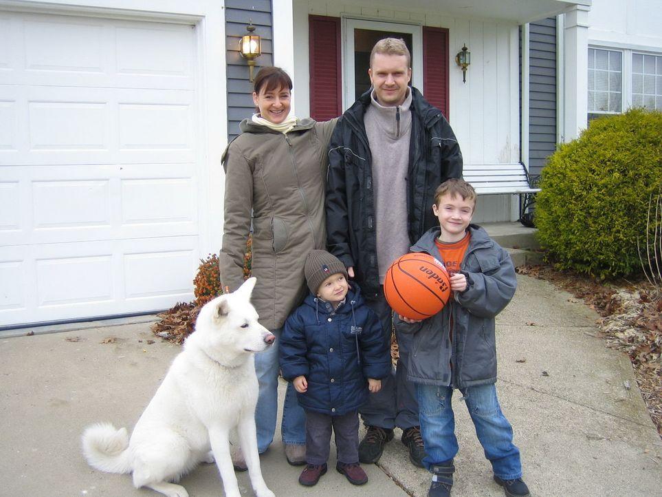 Thomas (36) und Nicola (34) Horn wandern mit ihren beiden Kindern Philipp (8) und Florian (2) in die USA aus. Ihr Ziel: die Industriestadt Detroit. - Bildquelle: kabel eins