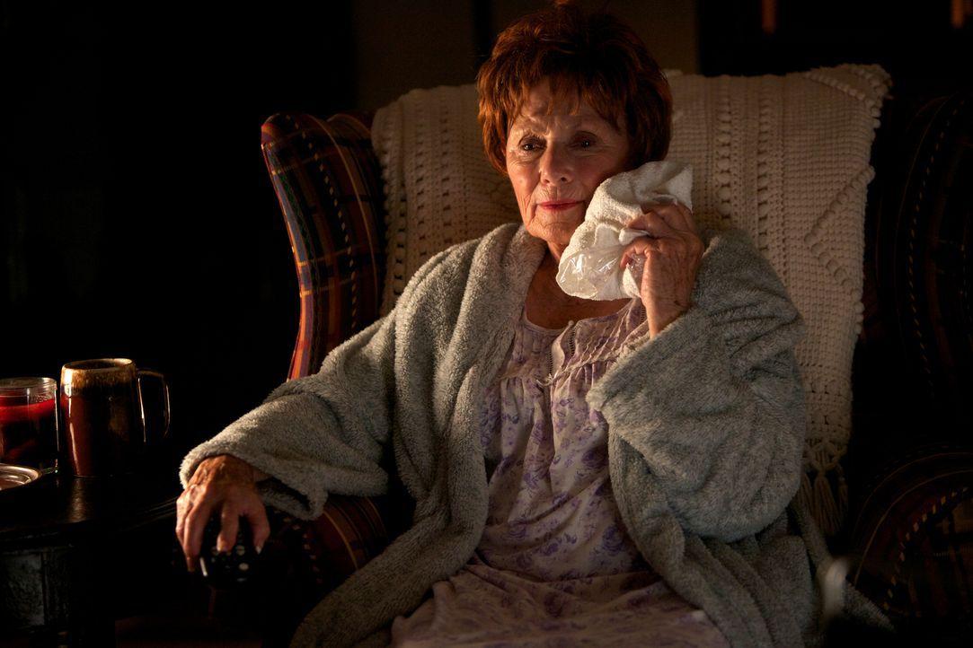 Ein gefährliches Wesen bedroht Agnes Whitehead (Marion Ross) und die anderen Bewohner einer Kleinstadt. Es tötet auf bestialische Weise. Deshalb müs... - Bildquelle: 2013 Panic Investments LLC. All Rights Reserved.