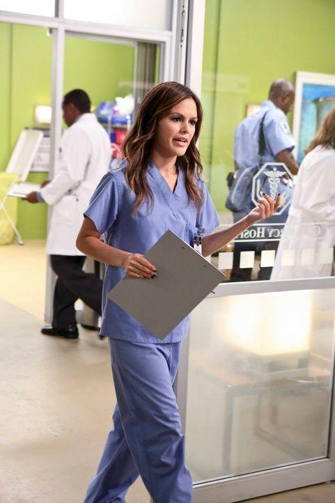 Staffel 3 - Zoe als Ärztin im Krankenhaus - Bildquelle: © Warner Bros. Entertainment Inc.
