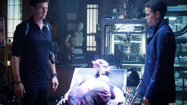 Nach und nach wird John (Karl Urban, l.) bewusst, dass  Dorian (Michael Ealy,...