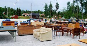 Auf einem Floh- oder Trödelmarkt finden sich sicher ein paar Möbel-Schätze. D...