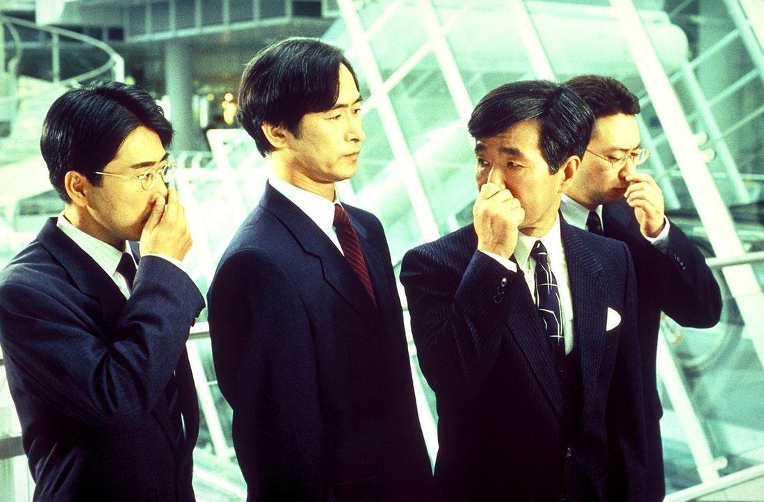 Die japanischen Investoren rechnen nicht damit, dass sie im Sperrfeuer zweier hartnäckiger und erfindungsreicher Konkurrenten stehen ...