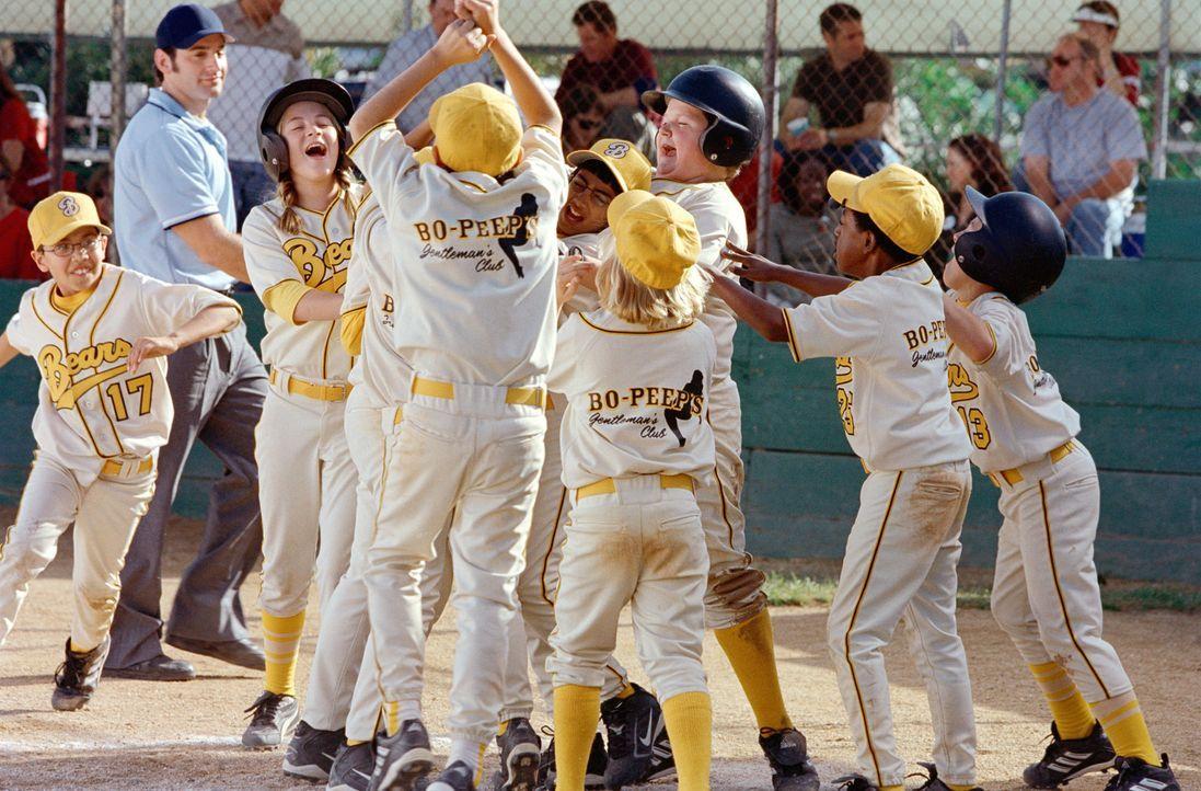 """Damit hätte wohl niemand gerechnet! Eingestiegen als absolute Verlierer, werden die """"Bears"""" bald zu den Favoriten der diesjährigen Junioren-Baseball... - Bildquelle: TM &   Paramount Pictures. All Rights Reserved."""
