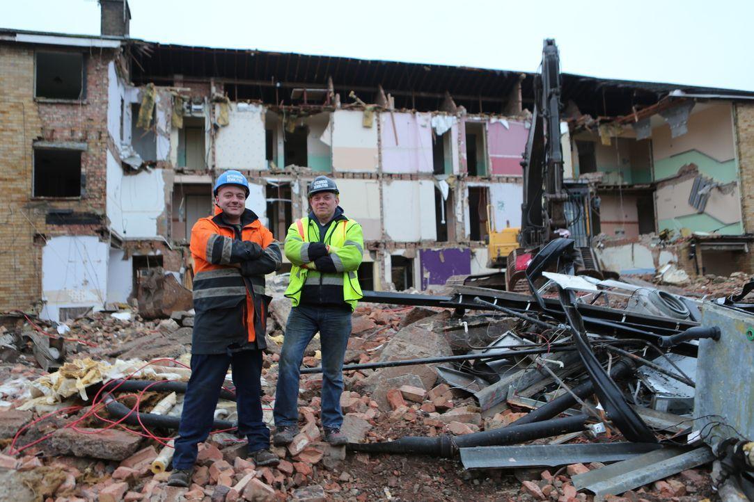 """Demolition Men: Die Doku-Reihe """"Scrap Kings"""" begleitet Abriss- und Bergungsexperten bei ihrer täglichen Arbeit. - Bildquelle: Back2Back Productions Limited"""