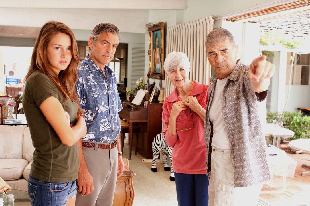 Gemeinsam mit seinen Töchtern und Alexandras (Shailene Woodley, l.) Freund macht sich Matt (George Clooney, 2.v.l.) auf, Elizabeths Eltern (Robert F... - Bildquelle: 2011 Twentieth Century Fox Film Corporation. All rights reserved.
