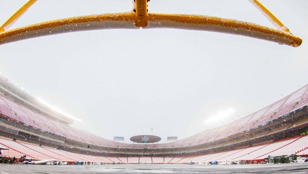 Wie Sie sehen, sehen Sie Schnee: Das Arrowhead Stadium der Kansas City Chief... - Bildquelle: Getty Images