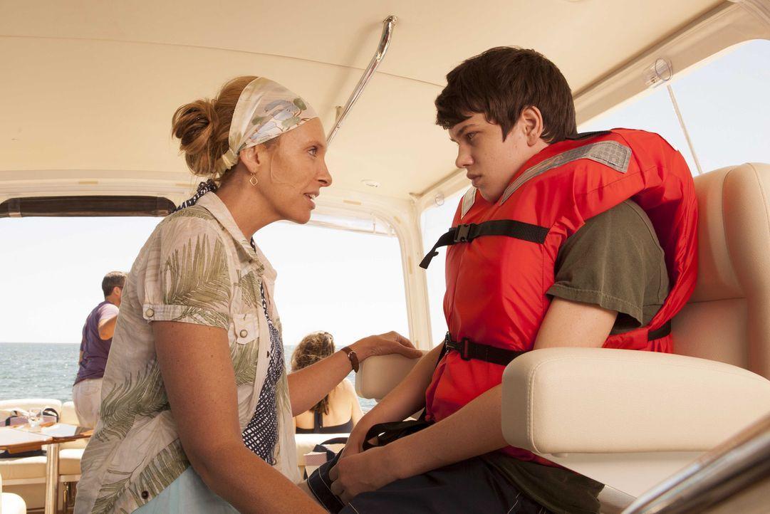 Versucht auf äußerst unglückliche Weise ihren Sohn Duncan (Liam James, r.) zu motivieren, den Urlaub am Meer zu genießen: Pam (Toni Collette, l.) ..... - Bildquelle: 2013 Twentieth Century Fox Film Corporation.  All rights reserved.