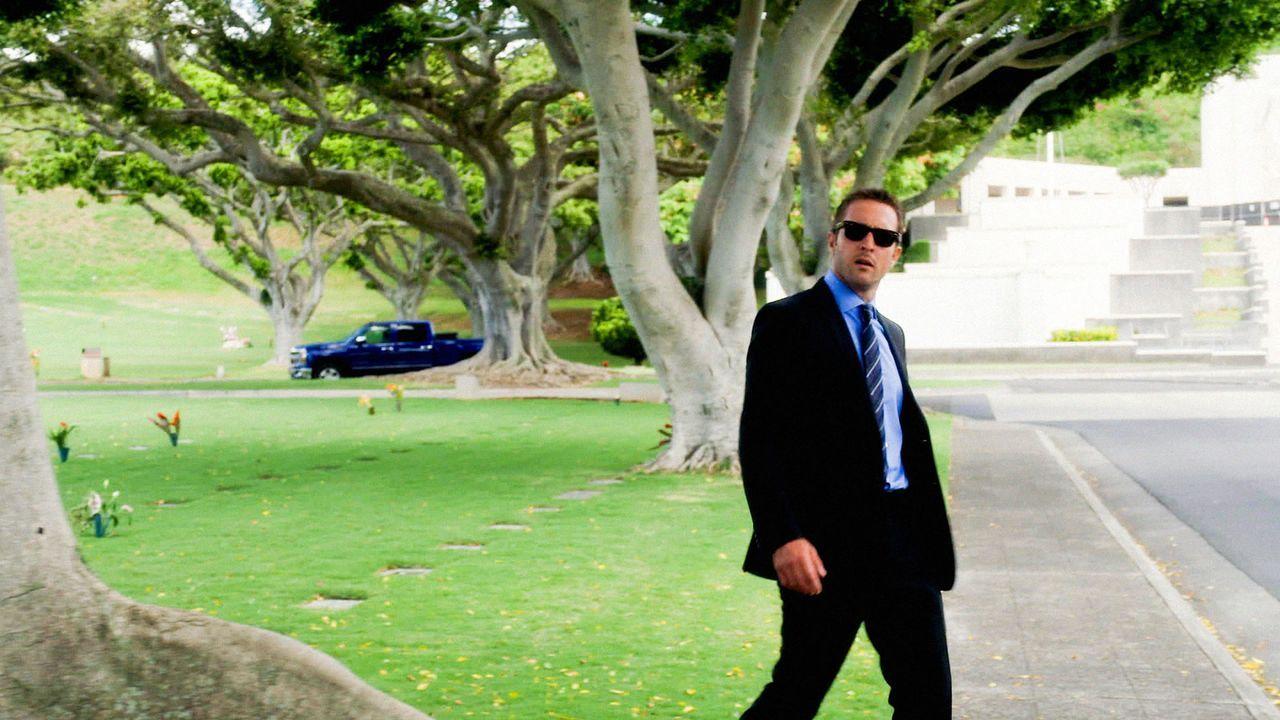 Beschäftigt sich mit dem letzten ungelösten Fall seines Vaters: Steve (Alex O'Loughlin) ... - Bildquelle: 2014 CBS Broadcasting Inc. All Rights Reserved.