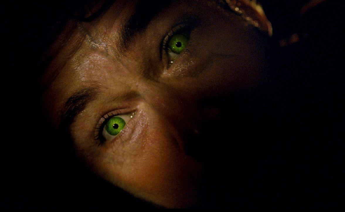 Immer wenn er wütend wird, wird er grünlich und gerät völlig außer Kontrolle: Dr. Bruce Banner alias Hulk (Edward Norton) ... - Bildquelle: 2008 Marvel Entertainment, Inc. And ist subsidiaries. All Rights Reserved.