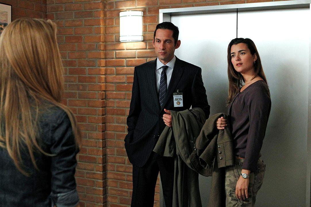 Ermitteln gemeinsam in einem Fall: Ziva (Cote de Pablo, r.) und ihr Freund Ray (Enrique Murciano, M.) ... - Bildquelle: CBS Television