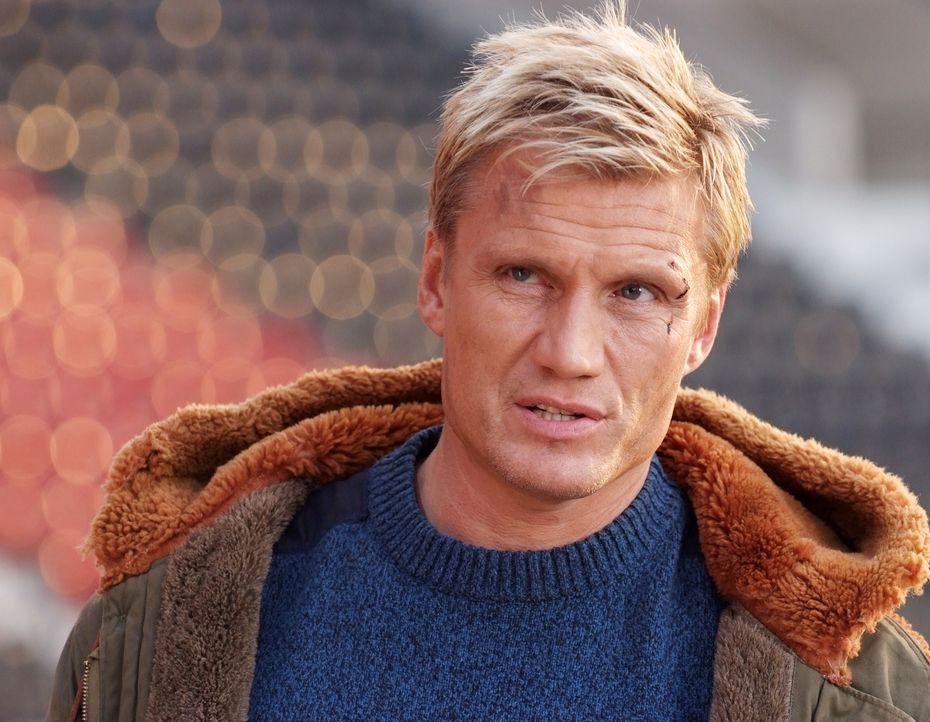 Um aus dem Knast zu kommen, willigt Ex-Special Forces Agent Mike Riggins (Dolph Lundgren) ein, eine gekidnappte, reiche Amerikanerin zu befreien, oh... - Bildquelle: Nu Image