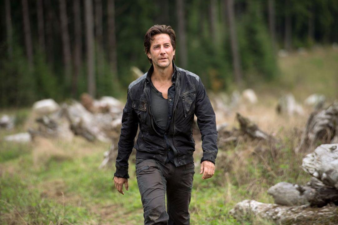 Mit dem Ausweg den Clarke wählt, hätte selbst Kane (Henry Ian Cusick) nicht gerechnet ... - Bildquelle: 2014 Warner Brothers