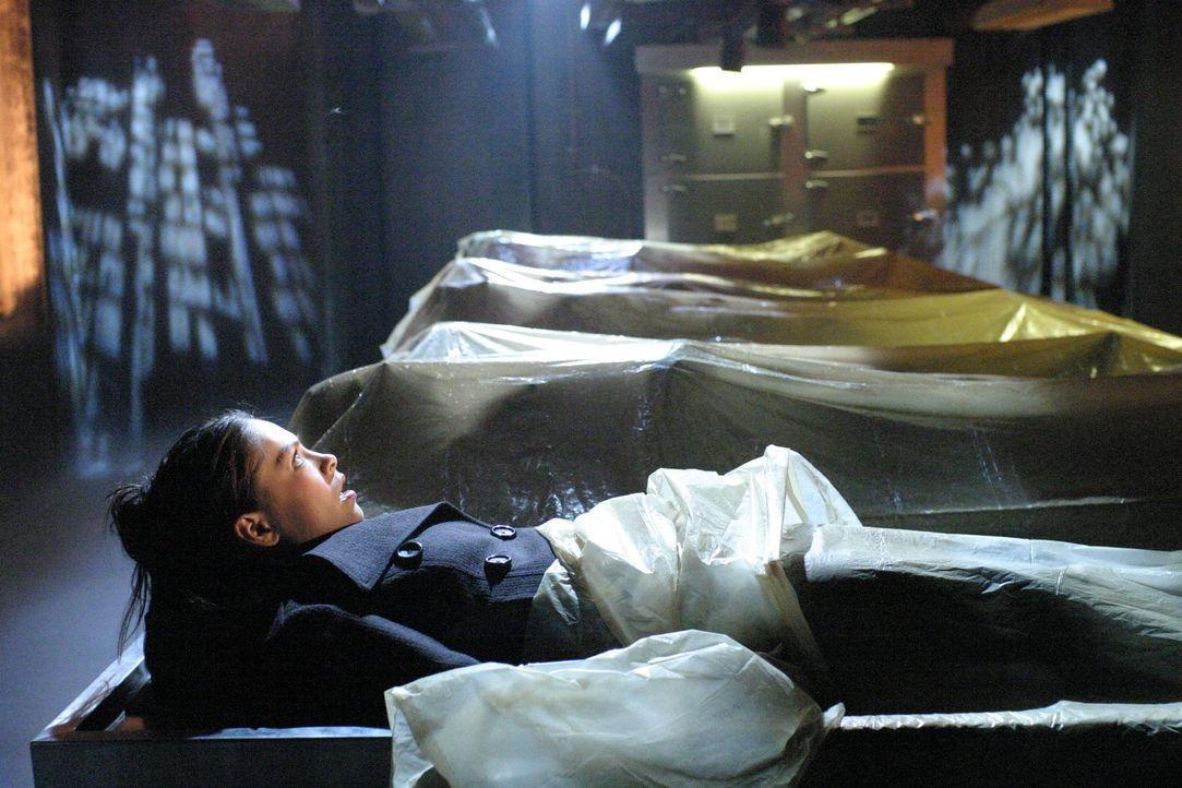 Als nach einem Chemieunfall bei Luthor Corp. Lanas (Kristin Kreuk) Freund Jason und etliche Einwohner ins Koma fallen, scheint die Lage aussichtslos... - Bildquelle: Warner Bros.
