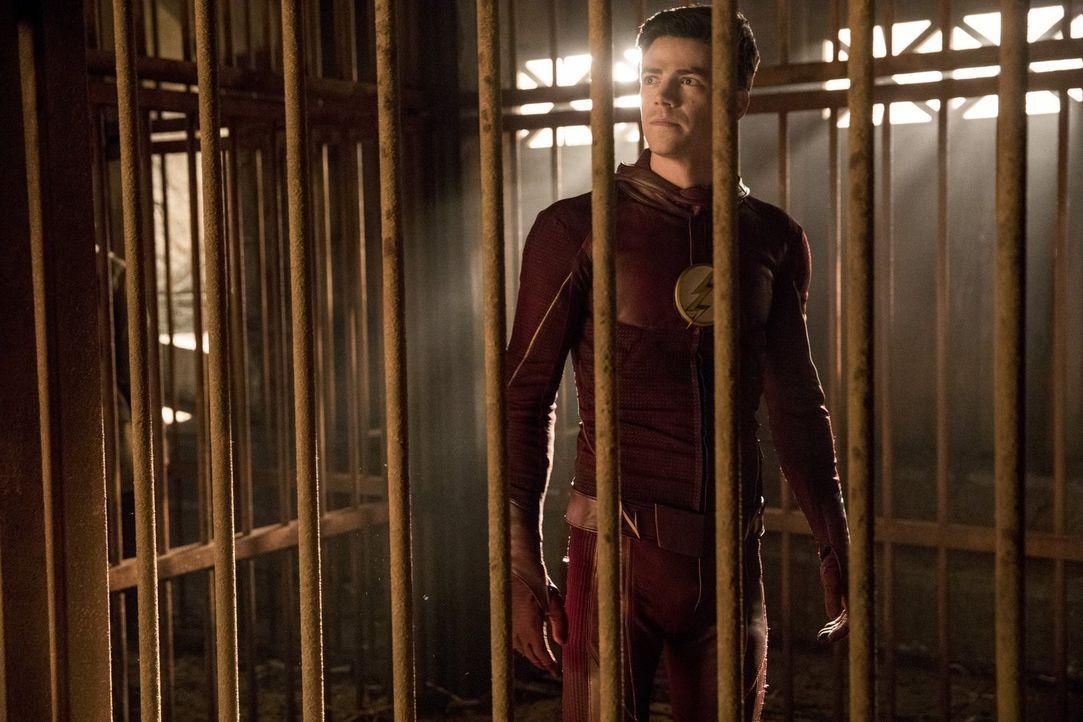 Ein Kampf auf Leben und Tod wartet auf Barry alias The Flash (Grant Gustin), doch er will die Regeln abändern - sehr zum Missfallen von Grodd ... - Bildquelle: 2016 Warner Bros.
