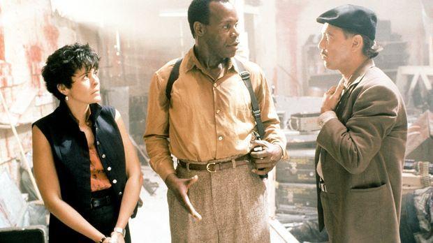 Im Kampf gegen den Drogensumpf: Leona (Maria Conchita Alonso, l.), Detective...