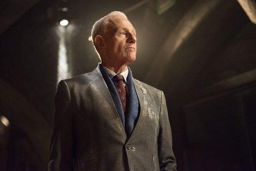 The 100 - Weiß Präsident Wallace (Raymond J. Barry) überhaupt noch,  was in &...