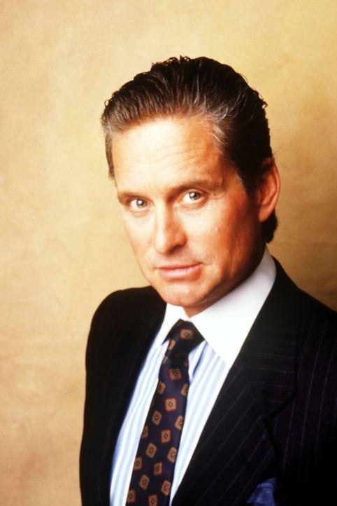 Der Finanz-Hai Gordon Gekko (Michael Douglas) schreckt auch vor illegalen Finanzgeschäften nicht zurück und sitzt nach vielen undurchsichtigen Opera... - Bildquelle: 20th Century Fox