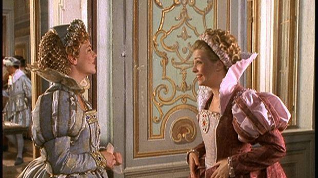Langsam aber sicher läuft Sabrina (Melissa Joan Hart, r.) die Zeit davon, ihr...